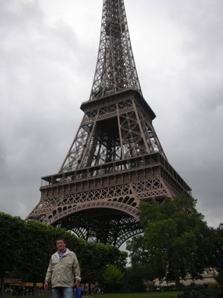 Aaron Bulkley at the Eiffel Tower