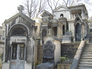 Pere Lachaise Cemetery in Paris - Aaron Bulkley